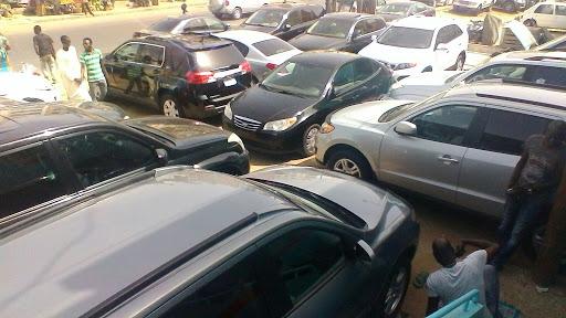 Vente de véhicules: La commerçante Fatou Sira Fall et son frère au tribunal, pour avoir...