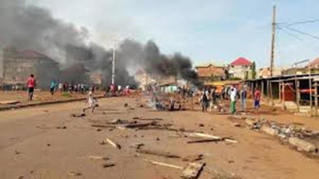 Présidentielle en Guinée: le climat reste tendu avant l'annonce des résultats provisoires