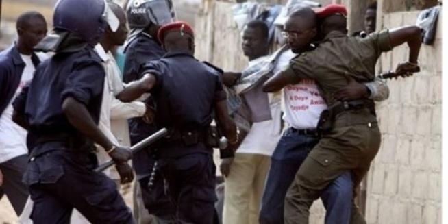 Yeumbeul : Un véhicule de la Police attaqué et les policiers blessés par les proches d'un…