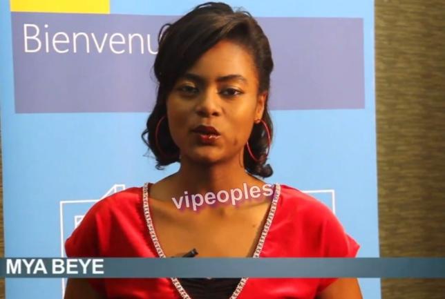 Merry Beye présentant High Tech