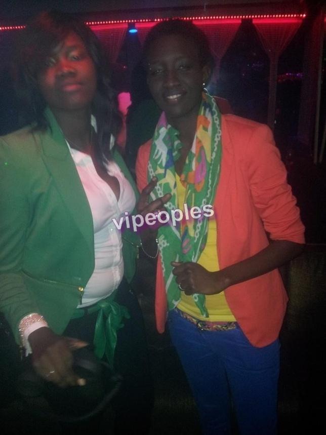 Mais qui est ce type qui est toujours avec la petite soeur de Oumou Provocation?