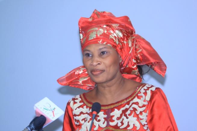 « Le président nous a dit que nous sommes un gouvernement de combat », réagit Aissata Tall Sall, après le Conseil des ministres