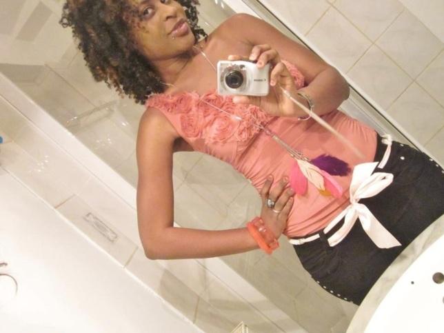 Timzy Ndiaye se prend en photo et montre davantage toute sa beauté!