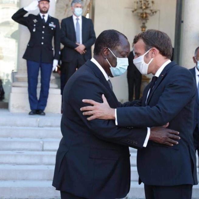 """Côte d'Ivoire: Macron défend Ouattara, Guillaume Soro les """"descend"""" tous les deux"""