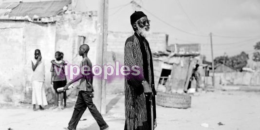 Abasse Ndione considéré comme le chef de file du roman noir au Sénégal.