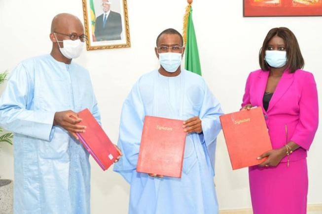 Voici les images exclusives de l'accord-Cadre entre l'Etat, l'APBEF et le FONGIP.