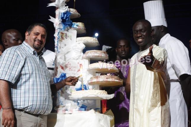 Pape Diouf et le propriétaire des brioches dorées au Sénégal