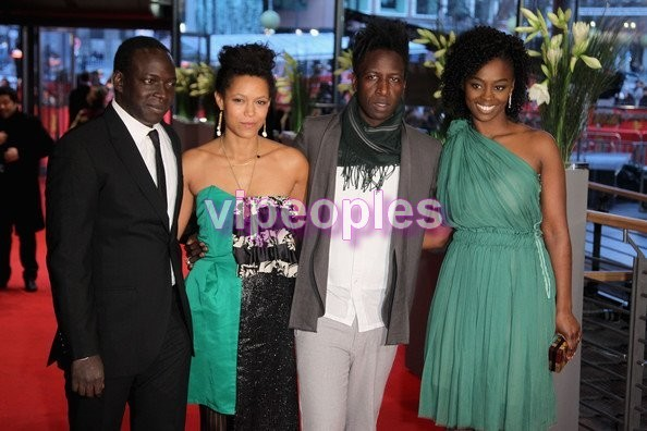 Le réalisateur sénégalais Alain Gomis et son équipe