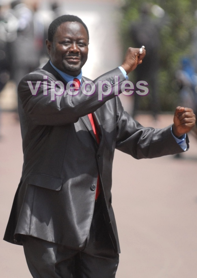 "Quand Mbaye Ndiaye, ministre d'Etat, danse le ""Thiakhagoune""!"