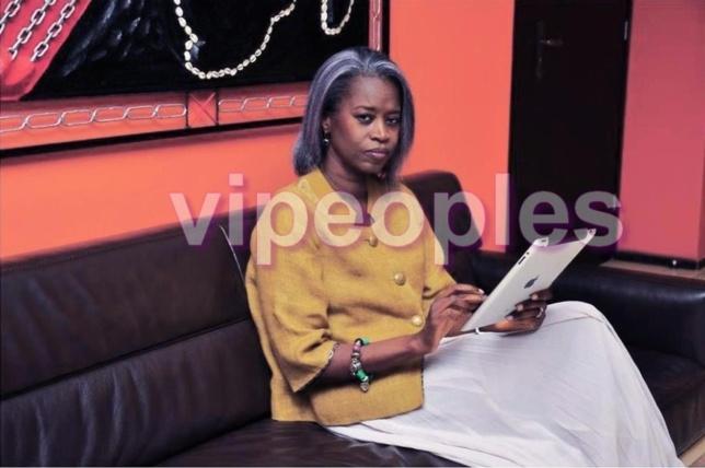 Aminata Niane se connecte sur son IPAD pour remercier ses amis