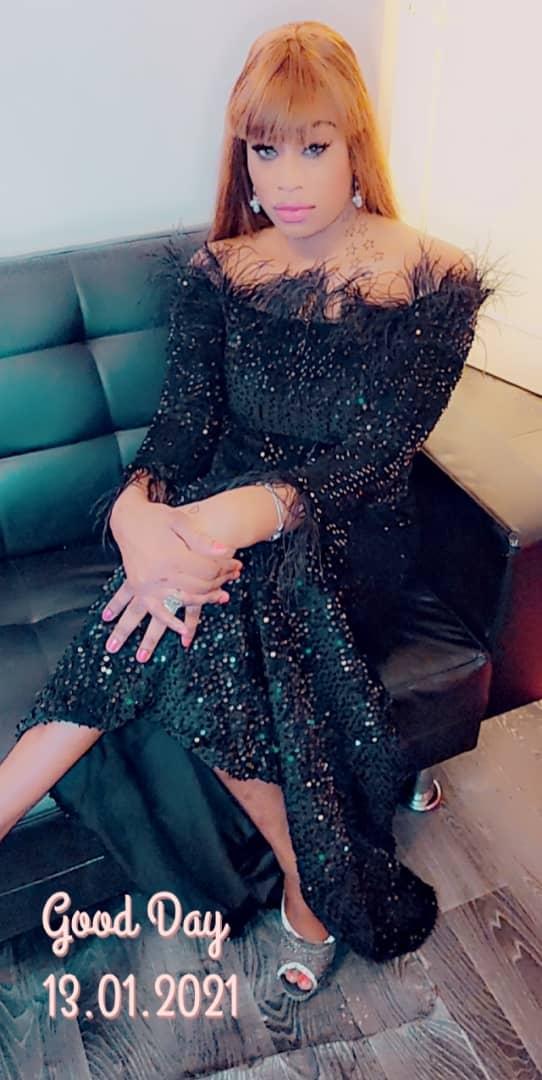 Anniversaire: Mamy Sopé, la douce moitié de Ameth Thiou dans une robe sublime et élégante Dressing by KEUR ASSY CITE KHADIM 77861 28 83