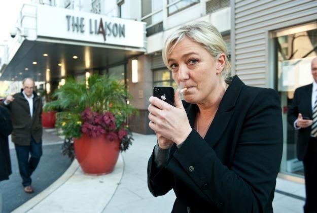 Ces hommes politiques qui ne peuvent se passer de la cigarette