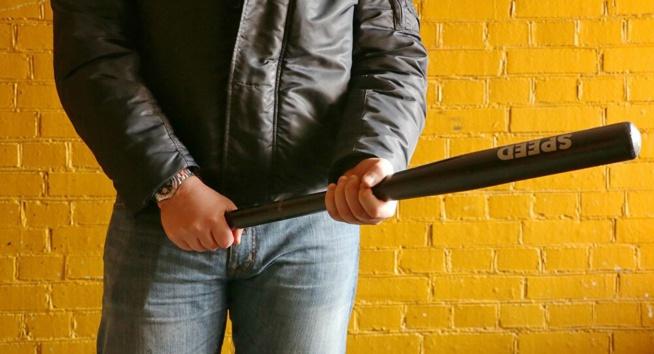 Un homme frappé à la batte de baseball et à l'arme blanche en pleine rue à Lyon