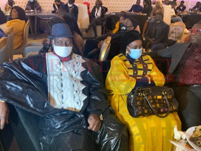 Voici les deux parents de. Mo Gates qui ont marques leur présence a New York pour apporter leur soutien a son discours de la renaissance