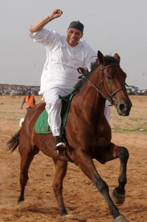 Quand Karim Wade montre qu'il sait monter à cheval
