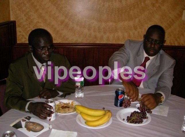 Macky Sall débute son régime en mangeant léger.