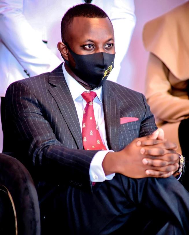 Mohamet B Diallo allias Mo Gates félicite le meilleur ministre Amadou Hott mais demande comment ? ( Contribution )