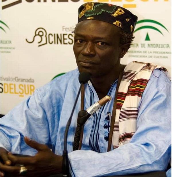 L'histoire rattrape le cinéaste Moussa Sène Absa (Abdou Latif Coulibaly)