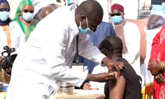 Vaccination anti-covid : Aprés Abdoulaye Diouf Sarr, ces responsables qui ont pris une dose du vaccin (Photos)