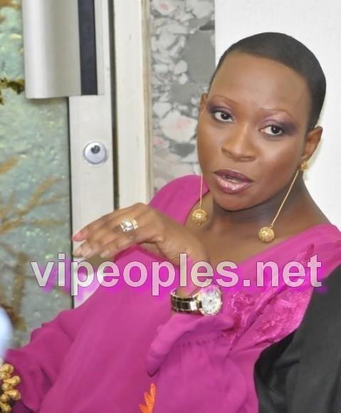 "Lady Gaga change et adopte le look de "" Sokhna Nafy Diouf Ngom"""