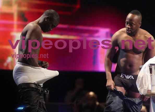Akon-memoires , la sortie de cette biographie est prévue pour bientôt.