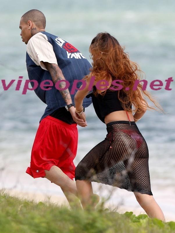 Rihanna : Le père de Chris Brown craint que leur relation ne se termine par une terrible tragédie !