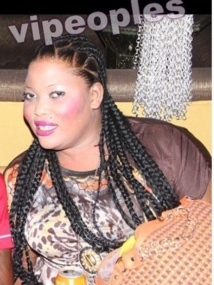 Carnet rose: Aïda Dada s'est mariée avec son petit ami vivant au Etats-Unis