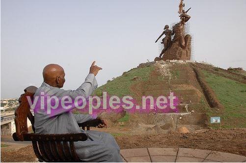Un grand homme ne meurt jamais...Et Abdoulaye Wade régne à travers sa statue de la renaissance