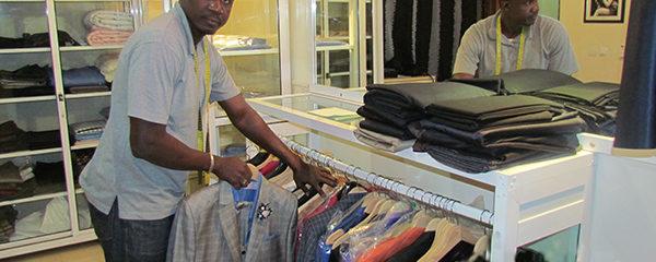 PLUS LOIN AVEC… LAMINE DIASSE, COUTURIER « Mon rêve est de créer une vraie école de mode au Sénégal »