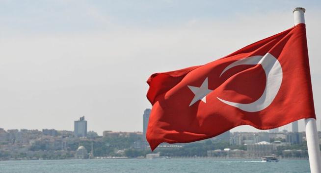 Face à une explosion de cas, la Turquie se reconfine