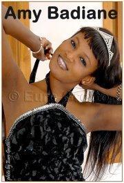 Le mannequin Amina Badiane de retour au Senegal