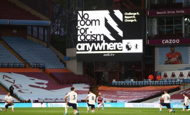 Haine raciste : Le championnat Anglais ferme ses comptes sur les réseaux sociaux