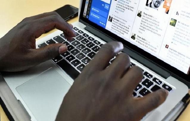 Cachés derrière des claviers pour « détruire des réputations » : Macky Sall vers une régulation très prochaine des médias sociaux