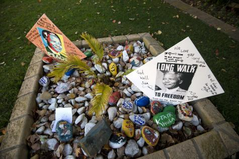 « Nelson Mandela est mort » : le Prix Nobel de la paix 1993 victime d'une infâme rumeur