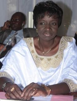 En réclamant 24 milliards à DP World, Mimi Touré en fait perdre 15 au Sénégal