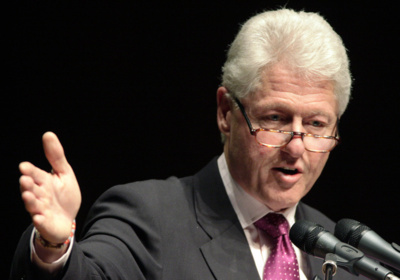 Clinton annoncé à Dakar avant Obama