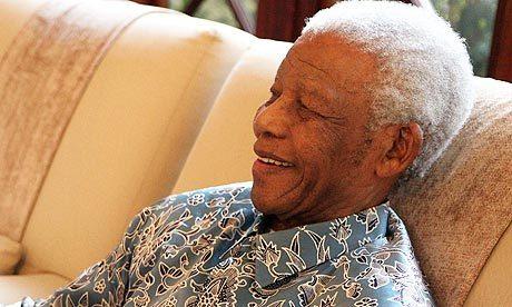 Entouré par sa famille: MANDELA, entre la vie et la mort