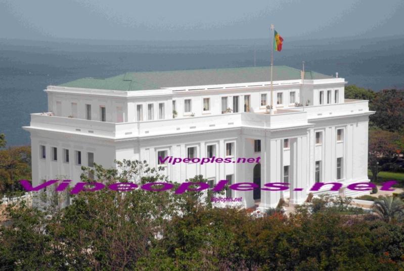 Obama ouvre toutes les portes du Palais et ferme la maison des esclaves