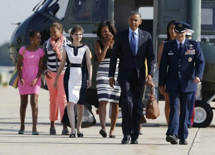 Les images du Président Barack Obama et sa famille en train d'embarqués à bord d'Air Force One direction Sénégal