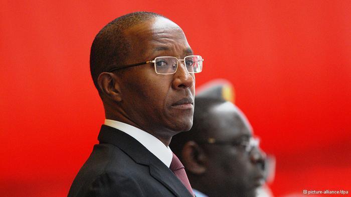 Abdoul Mbaye est-il malentendant?