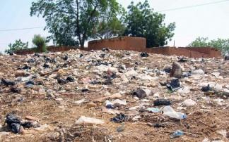 LES SACHETS PLASTIQUES NOIRS BIENTOT INTERDITS AU SENEGAL