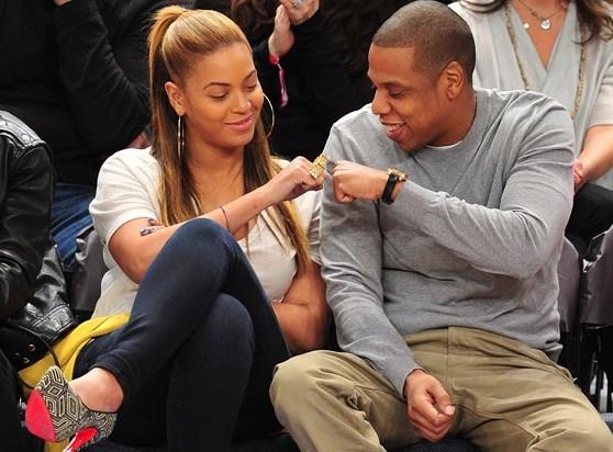 """Jay-Z et sa femme Beyoncé sortent un nouveau son musical : """"Part II (On the Run)"""""""