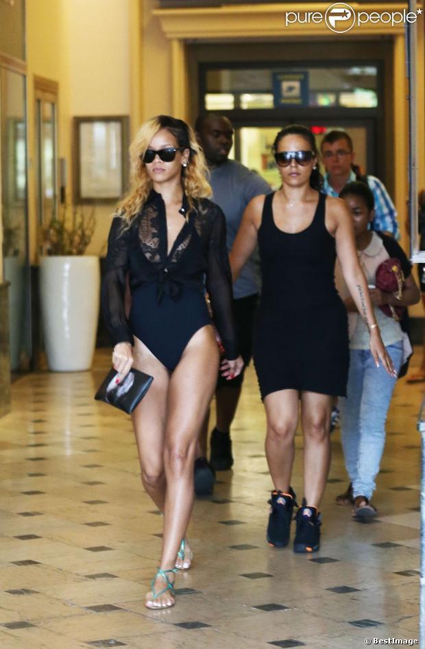 Rihanna : Shopping à Monaco... en maillot de bain très échancré !