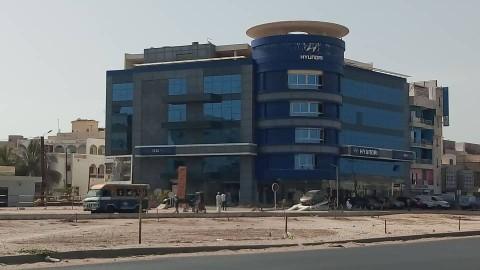 L'immeuble Hyundai situé sur la Vdn vendu aux enchères
