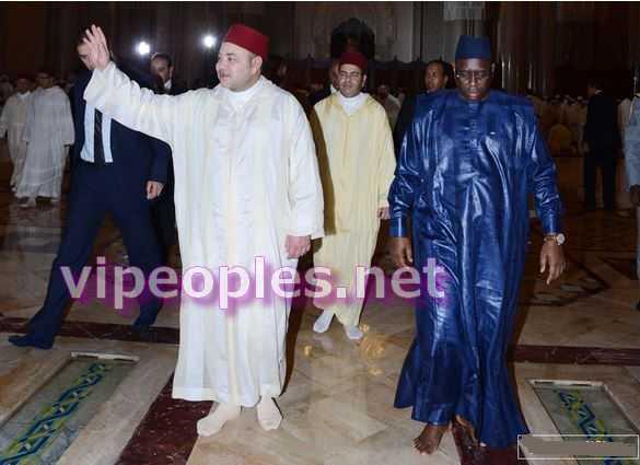 Les pieds nus de Macky Sall : La presse marocaine dira-t-elle d'apprendre les secrets d'habillement cette fois ci à Macky Sall?