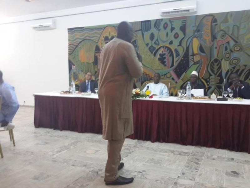 Ndoggou au Palais avec les journalistes