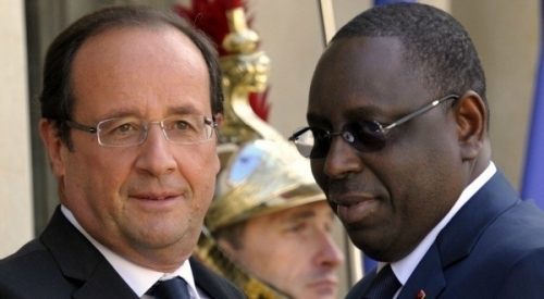 Fiction et réalité: La fiction, Jean Pierre  Sarkozy et le Président Olland puis la réalité,  Karim Wade et Macky Sall