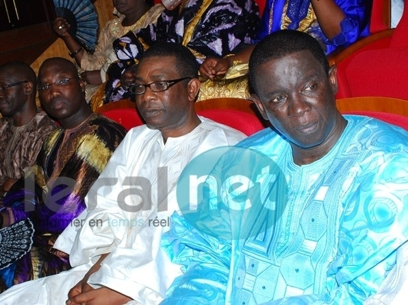 Youssou Ndour, son fidèle ami Mara Dieng et Mounirou Sy