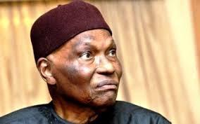 Communiqué de presse- Abdoulaye Wade « réintègre » le Barnos, Macky Sall toujours en tête