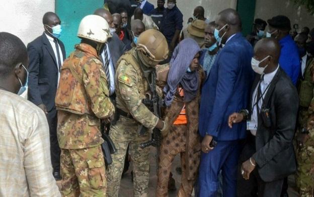 Ils prévoyaient d'assassiner de « hautes personnalités »: deux Français arrêtés pour atteinte à la sûreté de l'État au Madagascar